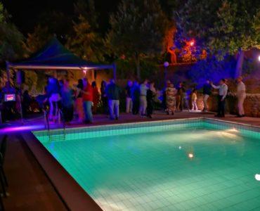 07 Agosto, Incontriamoci Giannavì, Serata Caliente in piscina, musica dance 70/80/90